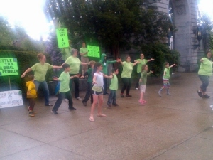 and the rain stopped long enough for the flash mob dancers!
