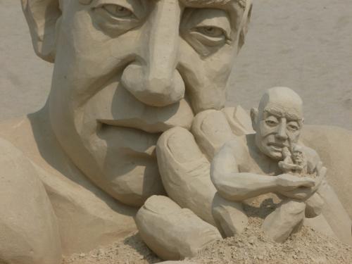 infinity sand sculpture